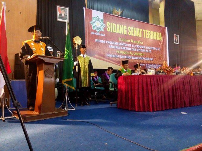Pesan Penting Rektor Pada Wisudawan