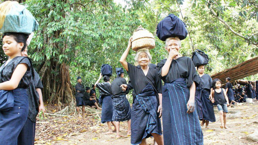 Dari Pawai Budaya hingga Nasib Pemeluk Agama Asli Indonesia yang Tak Diakui Negara