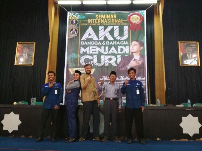 HIMA PAI  Gelar  Seminar Peringatan Hari Guru