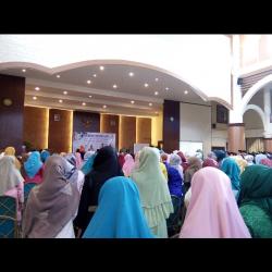 FSH Melepas 140 Alumni