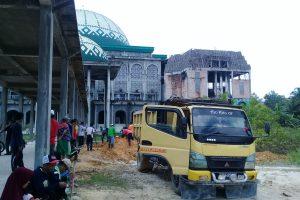 Gotong Royong di Masjid al-Jami'ah, Wujud Keikhlasan Penghibahan Tanah