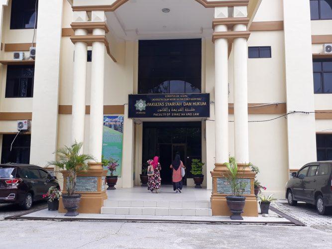 Mahasiswa Keluhkan Razia Tim Kode Etik Berpakaian FSH