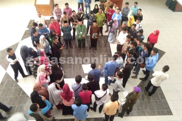 Gelar Aksi, Mahasiswa Tuntut Legalitas UKT