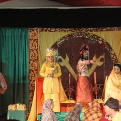 Sanggar Latah Tuah Jalin Silaturahmi Lewat Teater Bangsawan