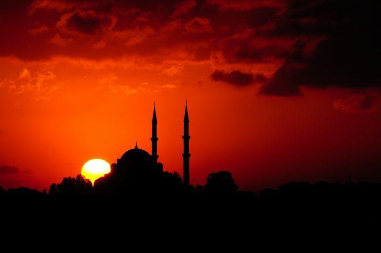 Membandingkan Agama: Keperawanan Maria dan Muhammad yang Ummi
