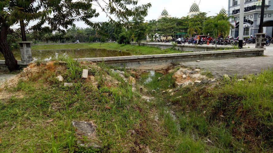 Drainase Danau Tak Kunjung Diperbaiki