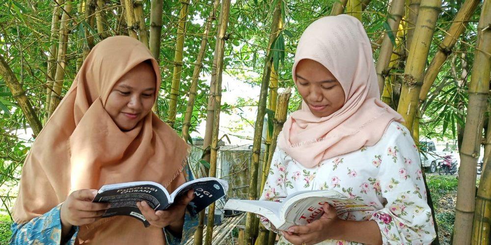 Mahasiswa Keluhkan Dosen Wajibkan Beli Buku