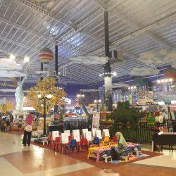 Tempat Bermain di Mal dan Nasib Pasar Malam